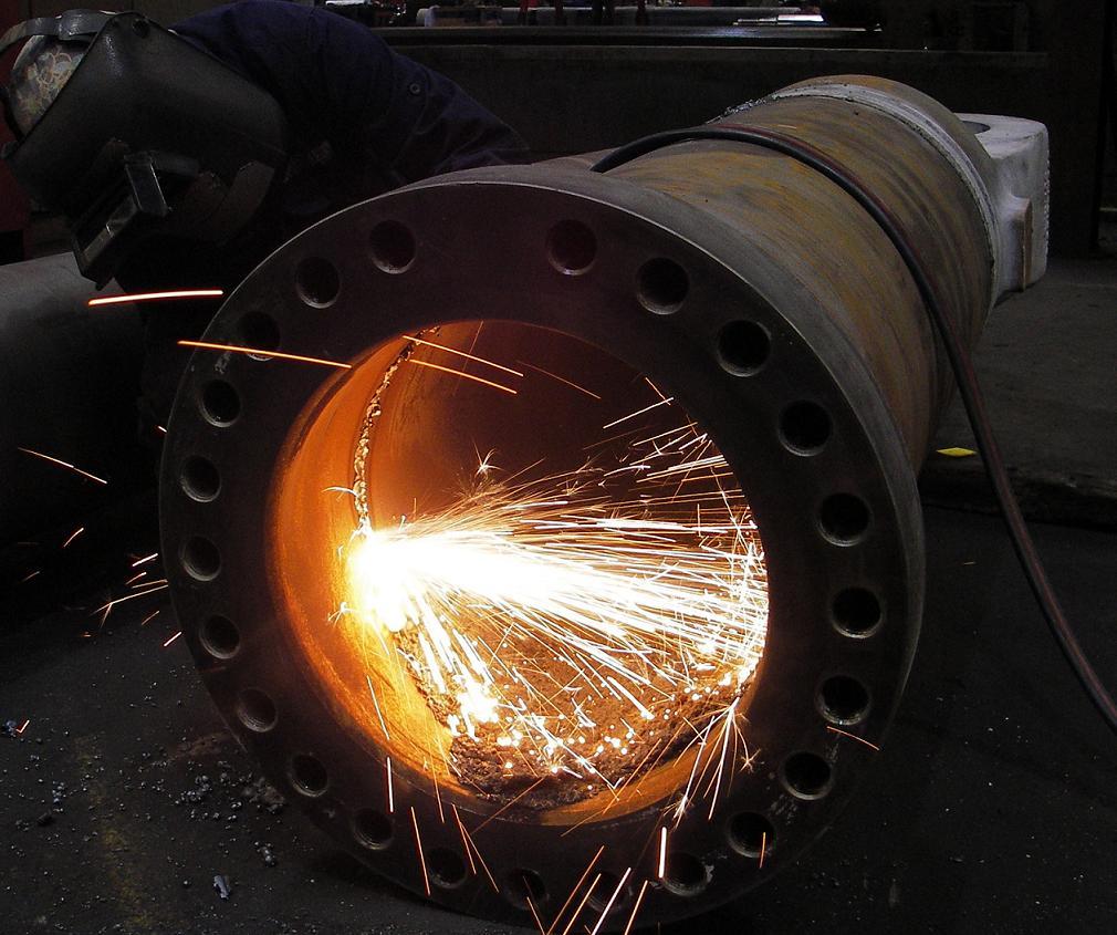 Hydraulic Cylinder Barrel Cutting