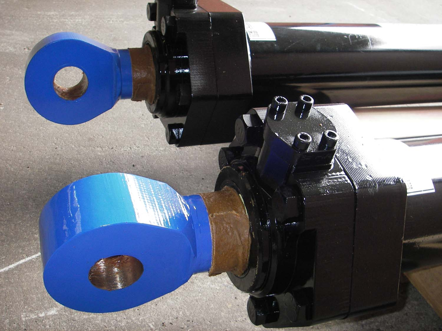 D10 Blade Lift Blue Eye Series Hydraulic Cylinders