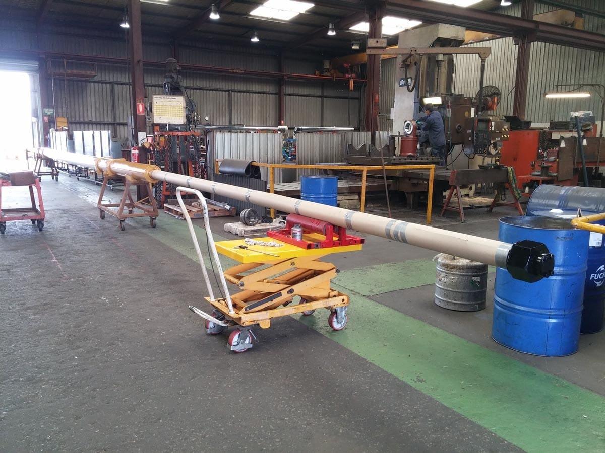 27 metre hydraulic cylinder