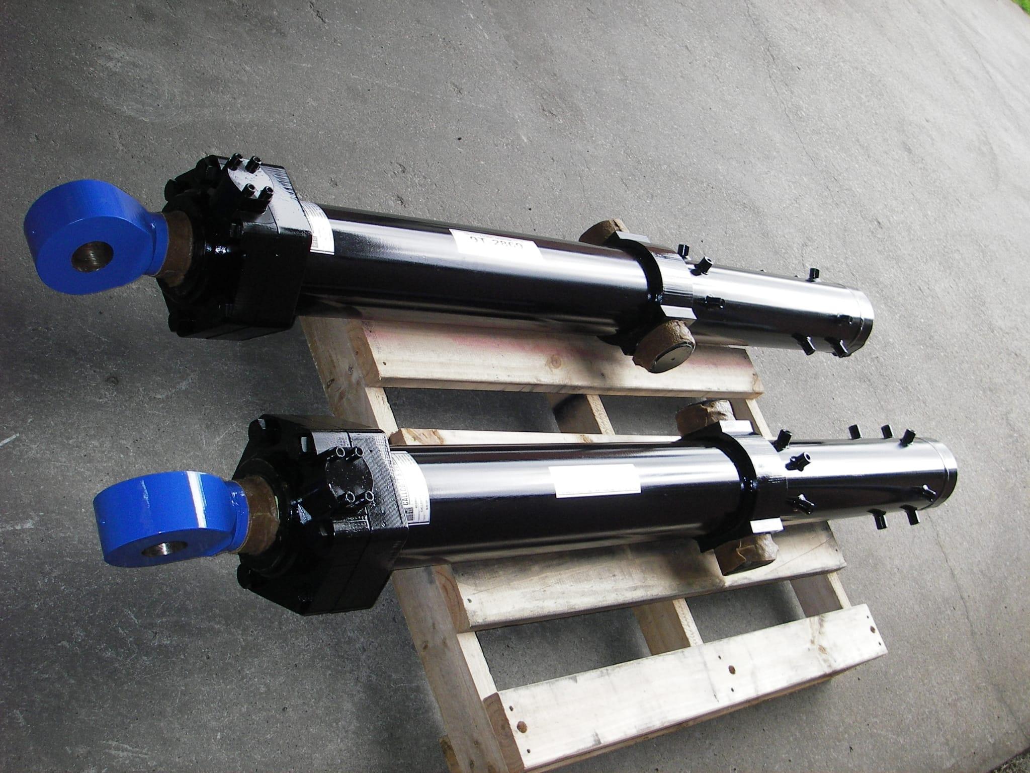 Blue Eye D10 Blade Lift Cylinder